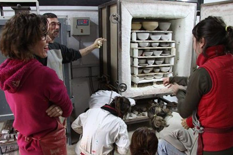 escola-ceràmica-cursos-torno-esmaltes-ceràmica-la-bisbal